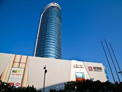 柳州银泰城大型发光字工程案例